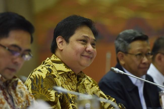 Airlangga Rahasiakan Nama Pengganti Novanto di Parlemen