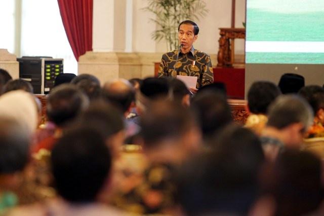 LAMPUNG POST | Jokowi: Konstitusi Tegaskan Semua Sama dalam Hukum