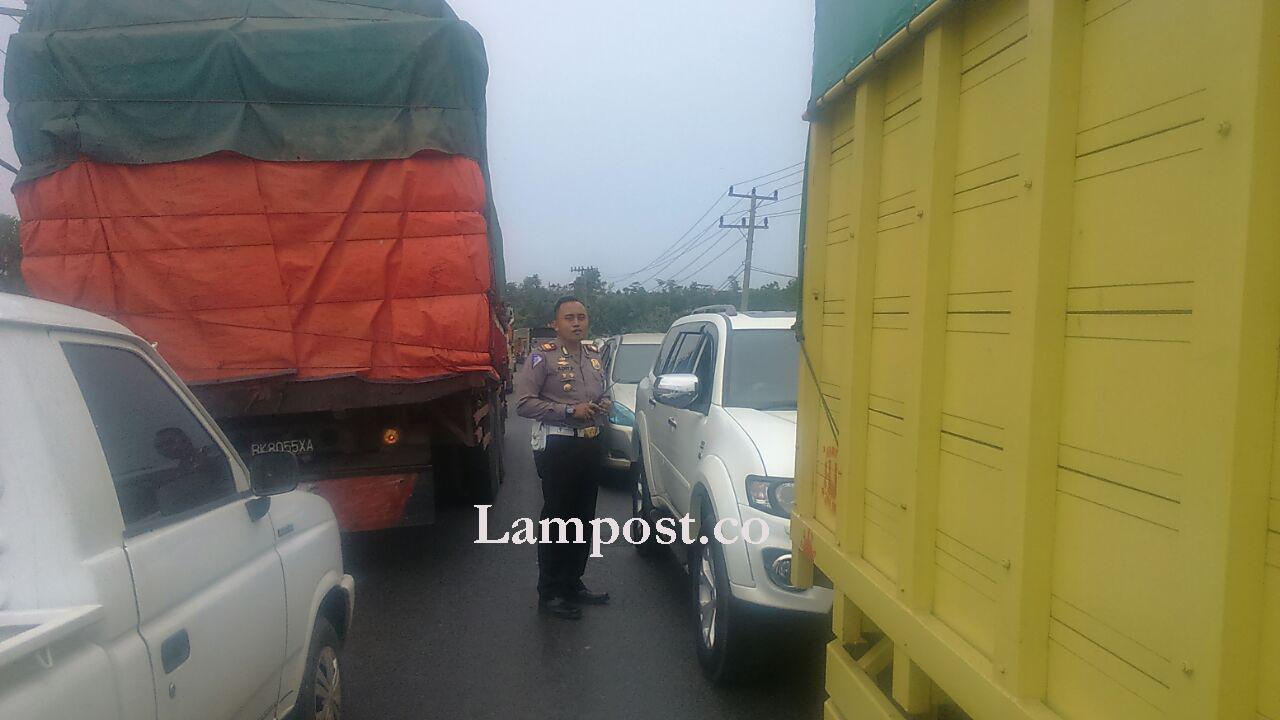 LAMPUNG POST | Kemacetan di Jalan Lintas Timur Sudah Terurai