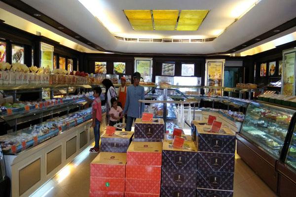 Holland Bakery Promosi HUT Diskon 40%