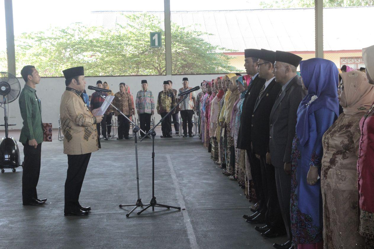 Bupati Zainudin Hasan Lantik 234 Kepala Sekolah