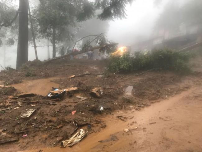 Diguyur Hujan Deras, Kawasan Puncak Bogor Longsor
