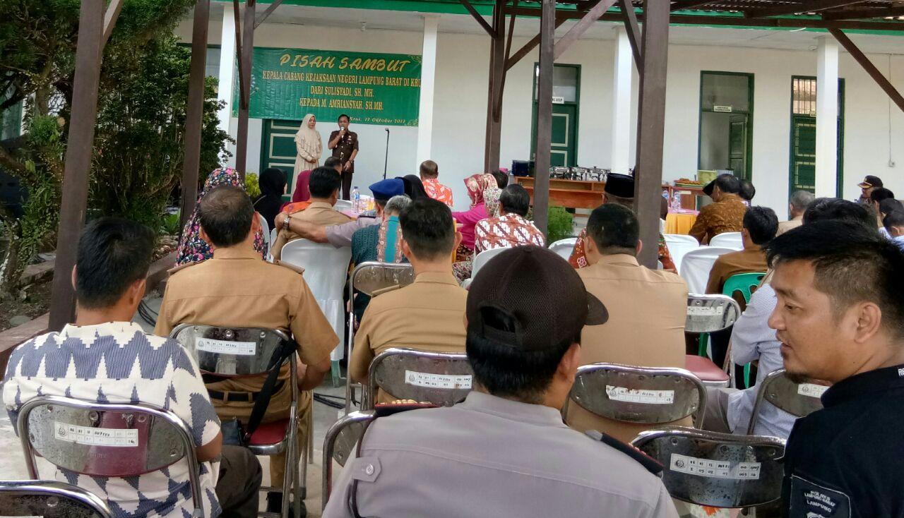 Serah Terima Kacabjari Lampung Barat di Krui
