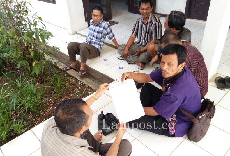 LAMPUNG POST | TPS Tak Siap, Pedagang Minta Relokasi Pasar Way Halim Diundur