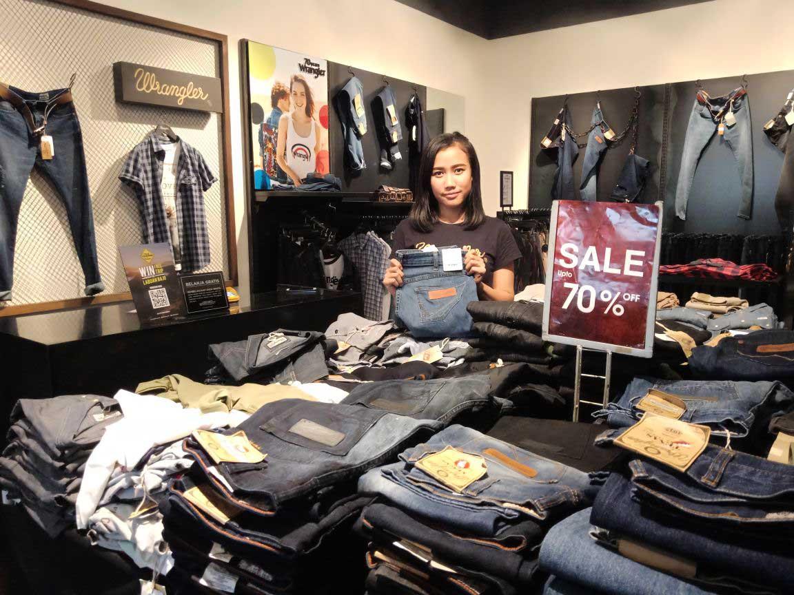LAMPUNG POST | Jins Branded Diskon 70%
