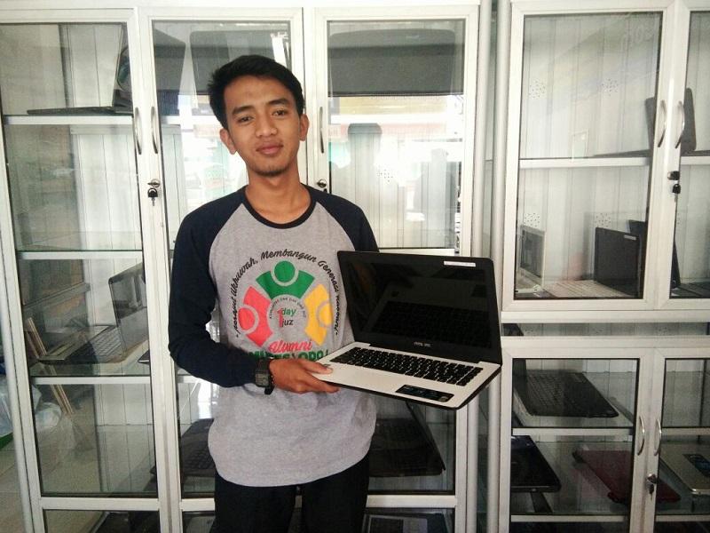 LAMPUNG POST | Lingkom, Solusi Tepat Cari Laptop Seken