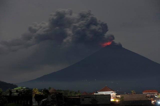 Panas Gunung Agung Mencapai 97 Megawatt