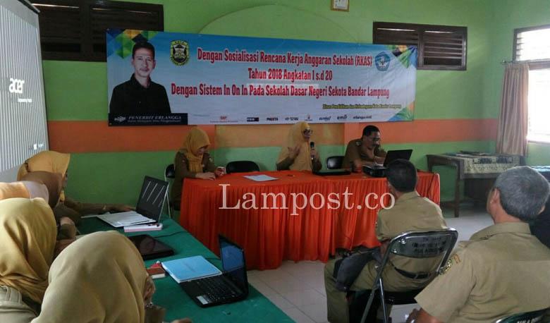 Disdik Kota Sosialisasikan RKAS 2018