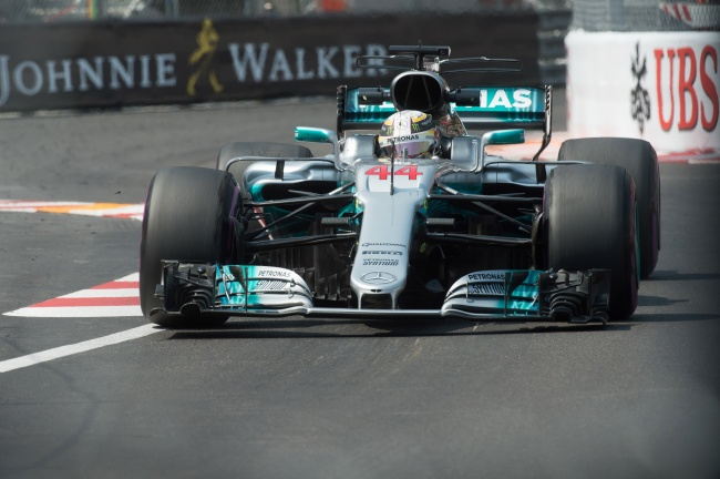 LAMPUNG POST   Bos Mercedes Mengklaim Hamilton Tidak Individual Lagi