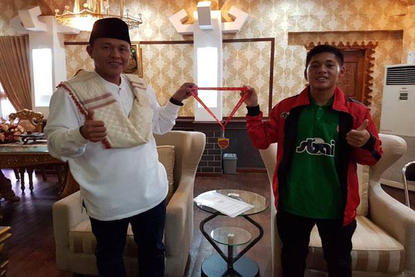 LAMPUNG POST   Berlaga di Madrid, Pelajar Lampung Tengah Gondol Medali Emas