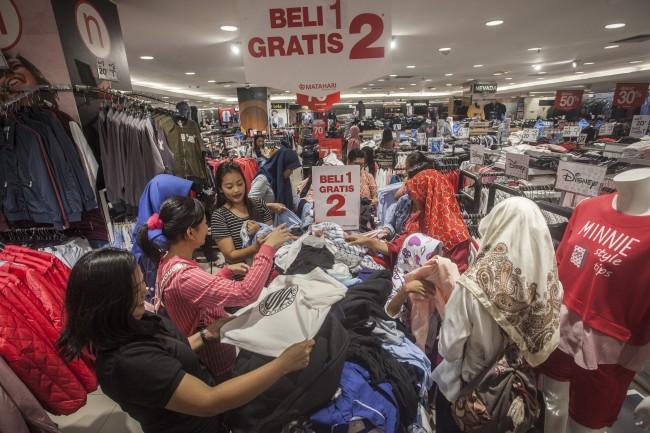Libur Natal, Pusat Perbelanjaan di Jakarta Ramai Pengunjung