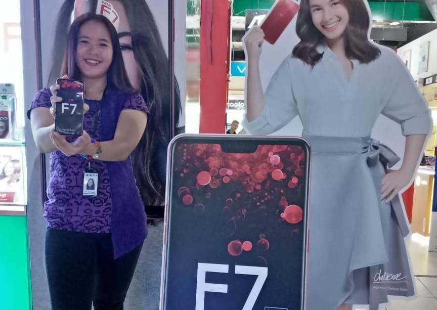 LAMPUNG POST | Smartphone Canggih Oppo F7 Kini Tersedia di Pasadena