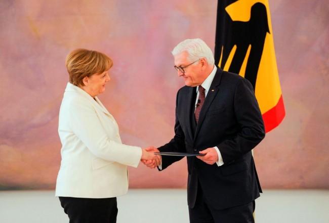 LAMPUNG POST | Angela Merkel Jadi Kanselir Jerman Keempat Kalinya