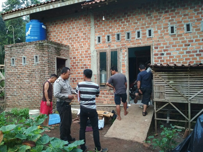 LAMPUNG POST | Pencuri Bobol Rumah Warga di Kampung Tua