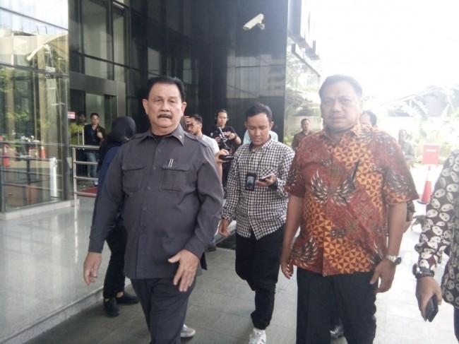 LAMPUNG POST | KPK Periksa Gubernur Sulut terkait Kasus KTP-El