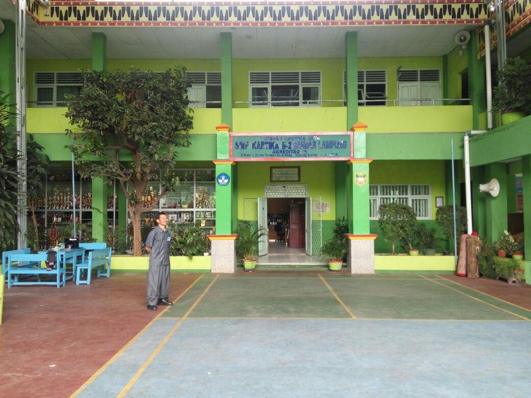 LAMPUNG POST | Sarana Belum Memadai, SMP Kartika II-2 Bandar Lampung Masih Pakai Metode UNKP