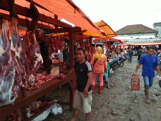 LAMPUNG POST | Daging Sapi di Sidomulyo Tembus Rp150.000 per Kg