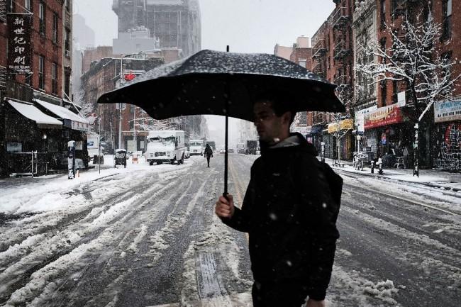 LAMPUNG POST | Badai Salju Musim Semi Landa AS, 5 Orang Tewas