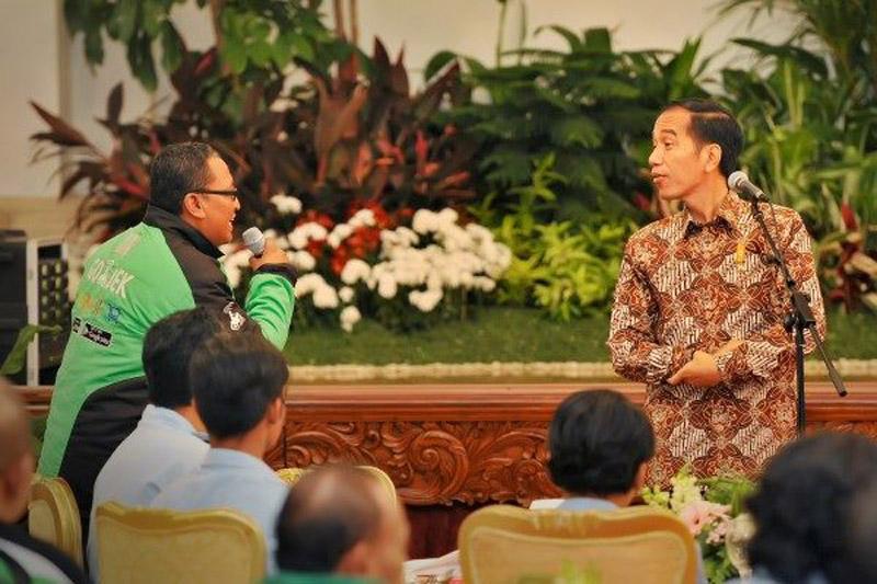 LAMPUNG POST | Jokowi Mengaku Pernah Beli Satai Gunakan Ojek Online
