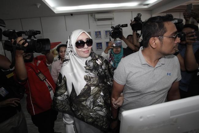 LAMPUNG POST | Kejati Ekspose Berkas Firza Husein Secara Tertutup