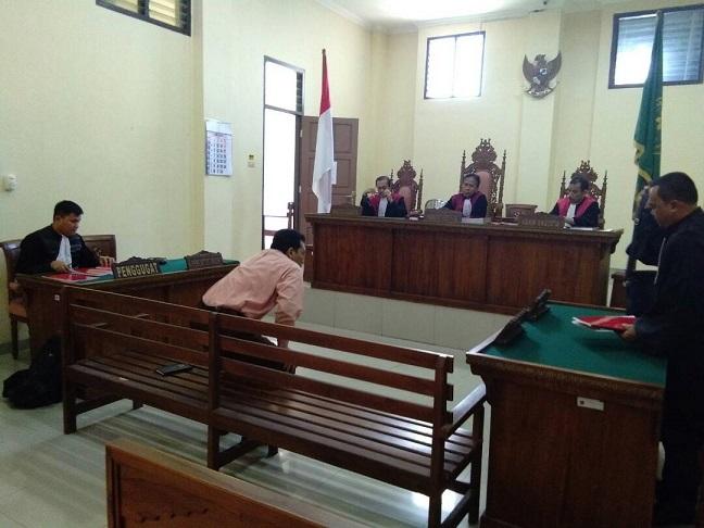 LAMPUNG POST | Mantan Kadiskominfo Pringsewu Dituntut 1,5 Tahun Penjara