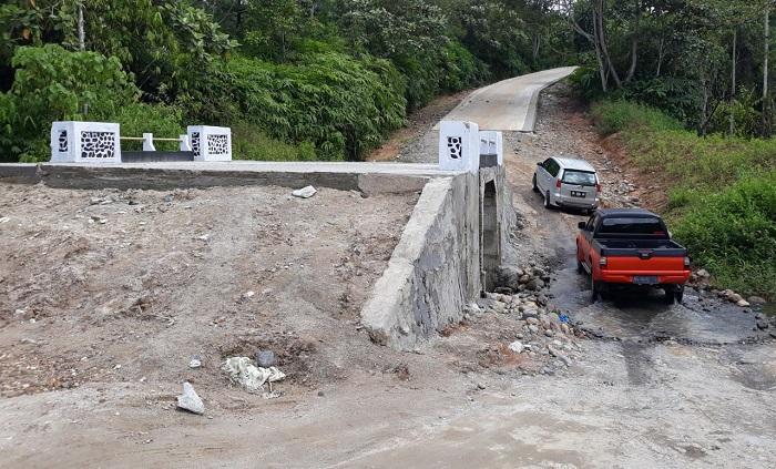 Pembangunan Jembatan Way Asam Tak Kunjung Selesai