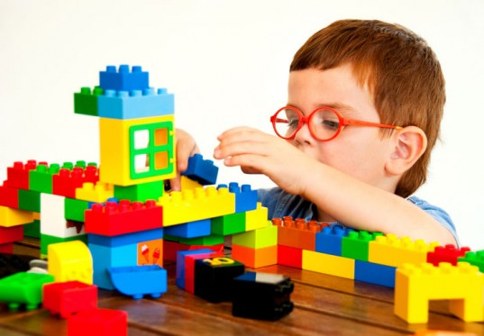 LAMPUNG POST | Manfaat Bermain Lego bagi Si Kecil