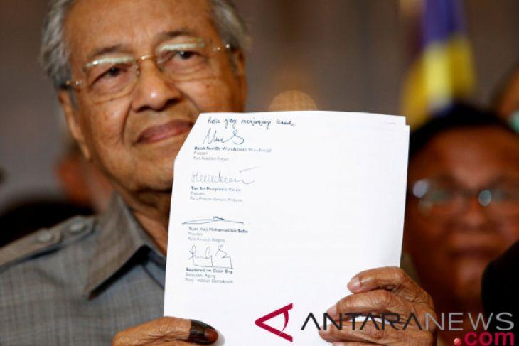 Mahathir Resmi Dilantik Jadi Perdana Menteri Malaysia