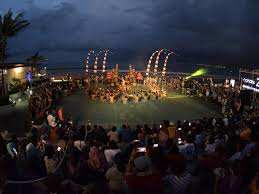 LAMPUNG POST | Liburan ke Bali