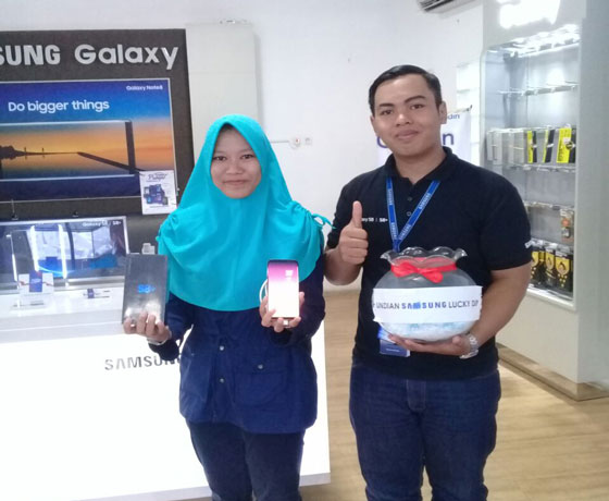 LAMPUNG POST | Beli Samsung di Pasadena Dapat Samsung S8+