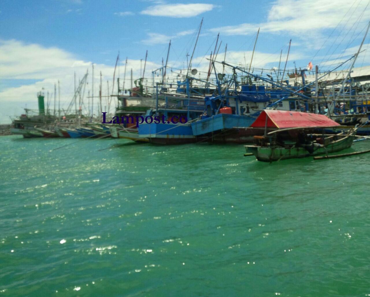LAMPUNG POST | Cuaca Kembali Ekstrem, Nelayan di Lamsel Tak Melaut