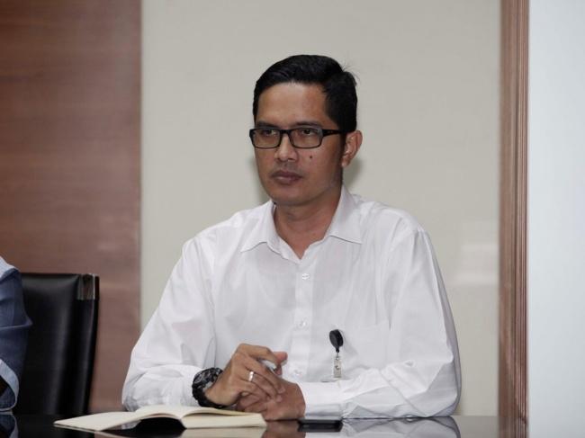 LAMPUNG POST | KPK 'Garap' 8 Orang Terkait Kasus Suap Jaksa Kejati Bengkulu