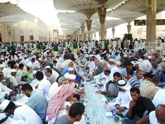 LAMPUNG POST | Besok, Arab Saudi-Uni Emirat Arab Mulai Puasa