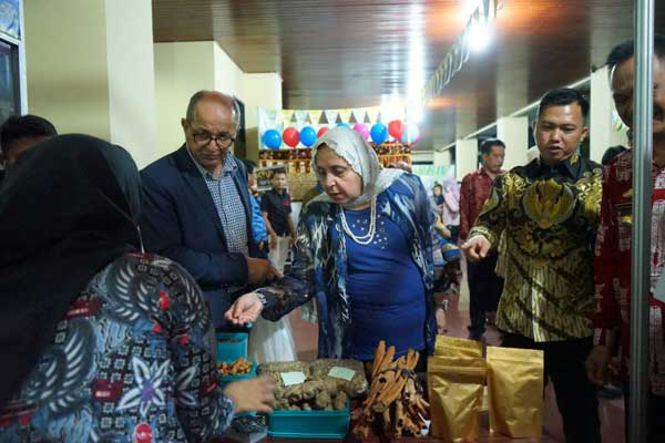 Lima Dubes Timur Tengah Belanja di Pameran Pemprov Lampung