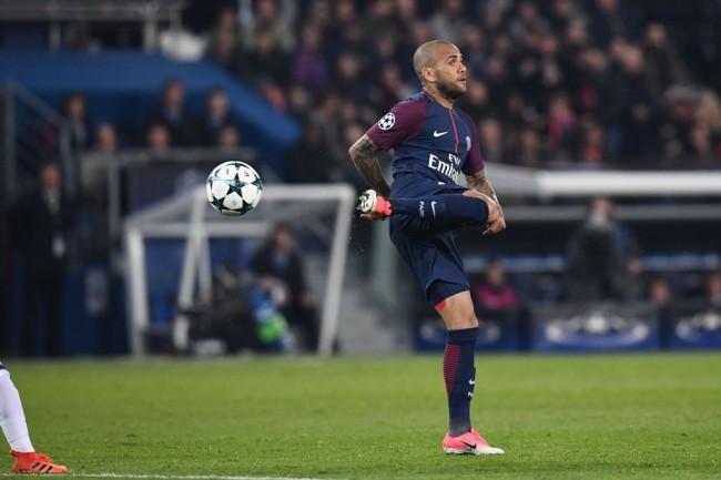 LAMPUNG POST   Dani Alves Menyesal Pindah ke Juventus