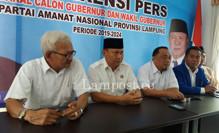 LAMPUNG POST | Gunadi Utus Mikdar Ilyas Kembalikan Berkas ke DPW PAN