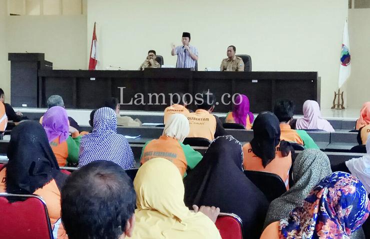 LAMPUNG POST | Bupati Zainudin Minta THLS Didata Ulang