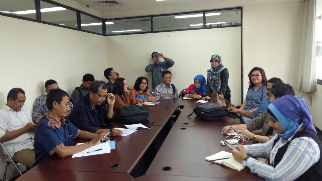 LAMPUNG POST | Tidak Terima Di-PHK, Eks Karyawan PT Sanofi Ubah Tuntutan