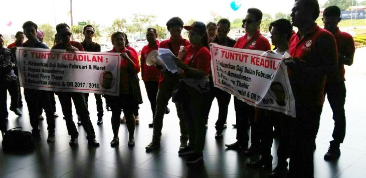 3 Bulan Tak Digaji, Ratusan Pegawai Meikarta Unjuk Rasa