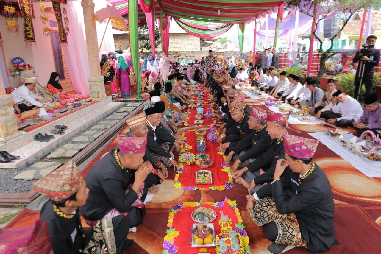 LAMPUNG POST | Bupati Lampung Barat Gelar Doa Bersama