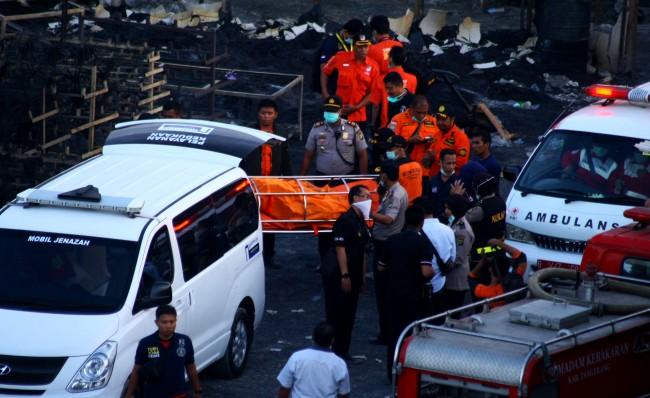 Tiga Korban Ledakan Pabrik Petasan Belum Ditemukan