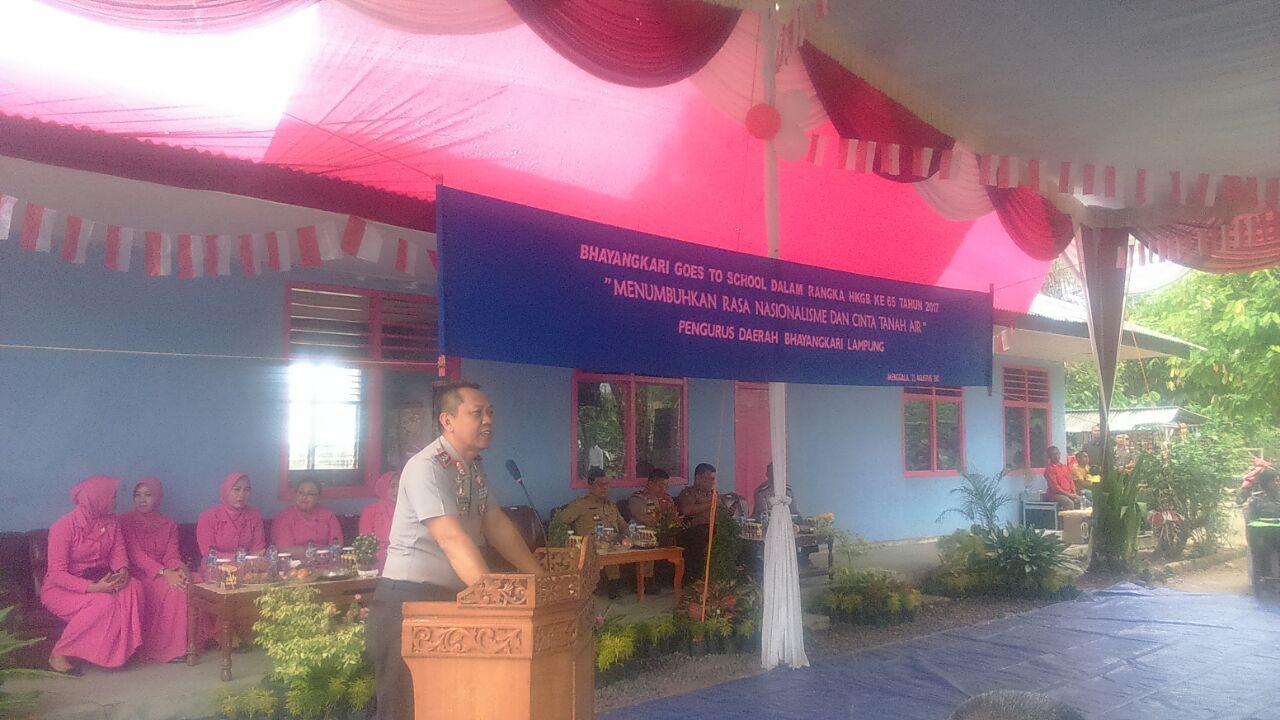 LAMPUNG POST | Polda Lampung Gelar Goes to School di Banjaragung