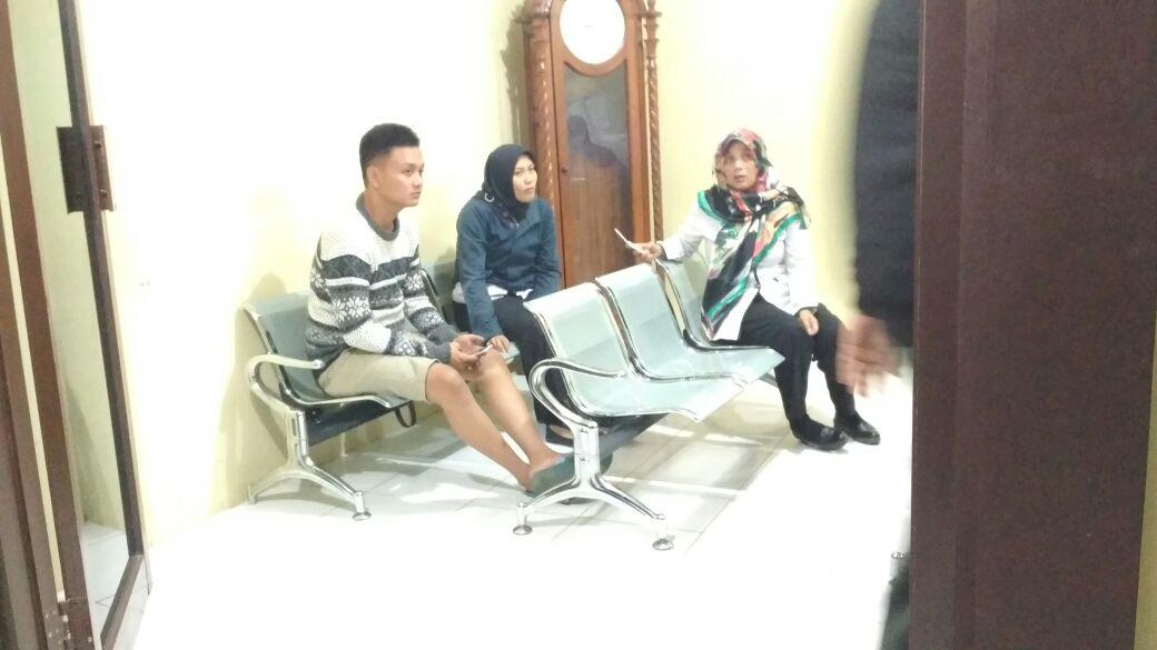 LAMPUNG POST | Pulang Mendampingi Siswa Lomba Debat, Guru SMAN 10 Bandar Lampung Dijambret