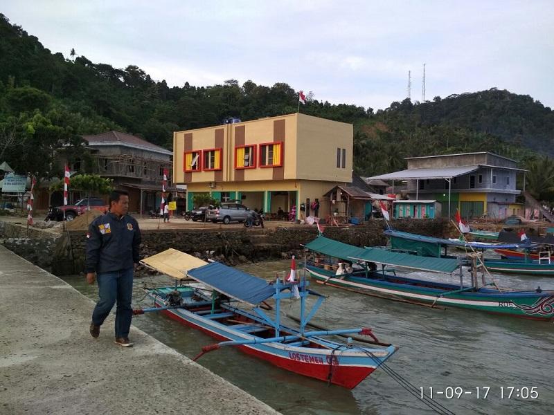 LAMPUNG POST | Bangunan Ilegal Berdiri Kokoh di Pantai Ketapang