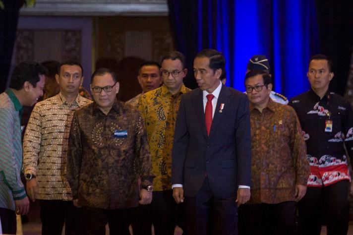 LAMPUNG POST | Jokowi Titipkan Masa Depan Bangsa ke Guru