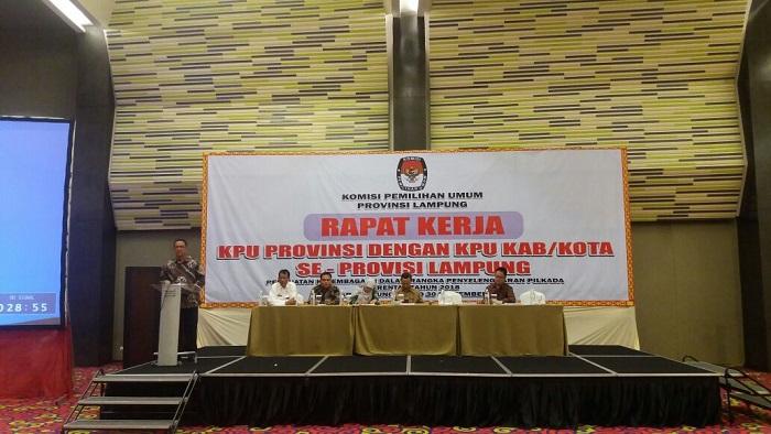 LAMPUNG POST | Komisioner KPU RI Isi Rapat Kerja Penguatan Kelembagaan