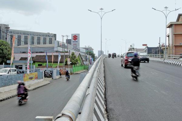 LAMPUNG POST | Polresta Sebar Personel di Bawah Flyover