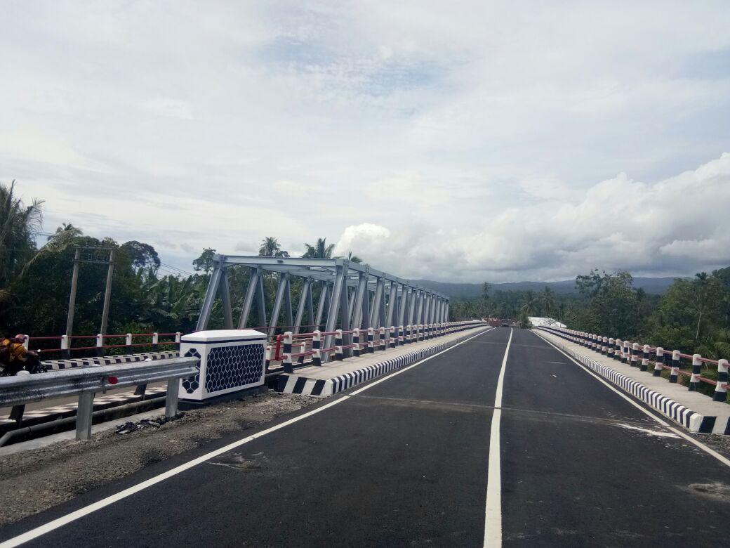 LAMPUNG POST | Jembatan Wai Krui, Pesisir Barat  Rampung Dikerjakan