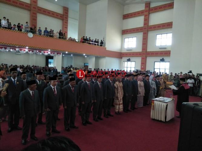 45 Anggota DPRD Pesawaran Periode 2019-2014 Dilantik
