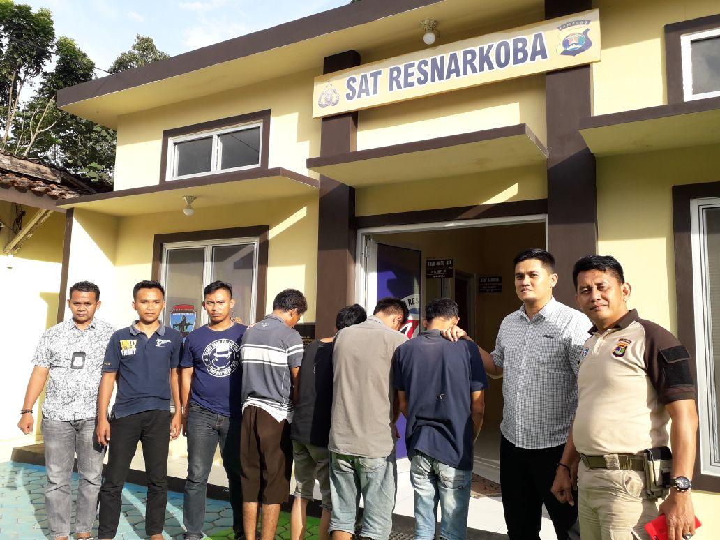 LAMPUNG POST | Polisi Tangkap Empat Tersangka Pengguna Sabu di Pringsewu